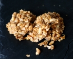 Oat Brittle with Peanuts