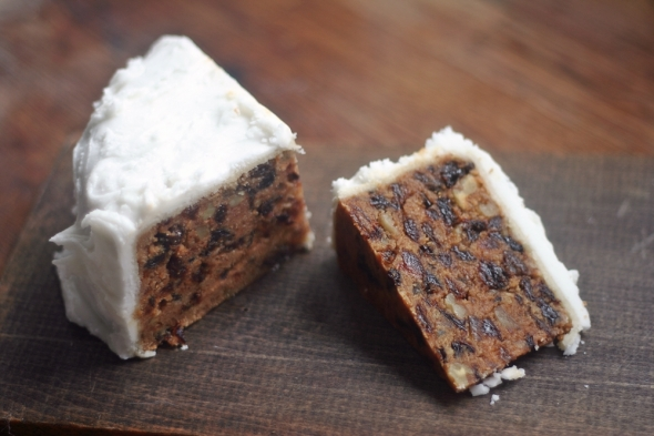 No-Bake Christmas Cake
